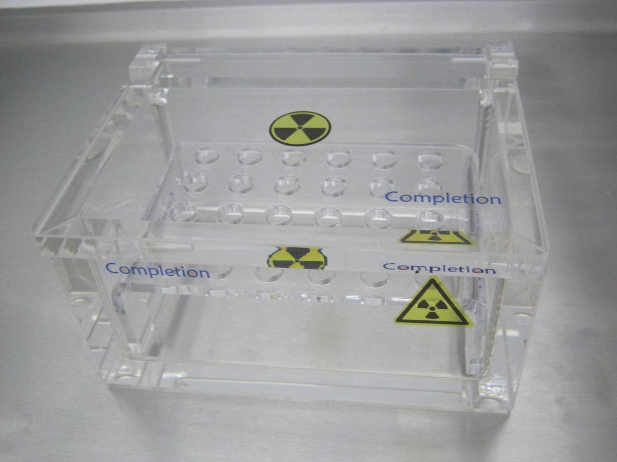 antybeta klejenie plexi 04 - Realizacje detale, elementy maszyn i urządzeń, urządzenia