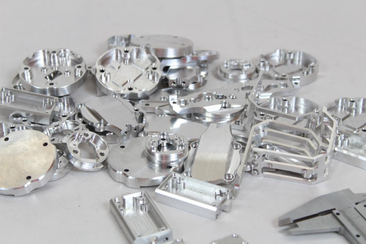 frezowane dron CNC aluminium 04 - Realizacje detale, elementy maszyn i urządzeń, urządzenia