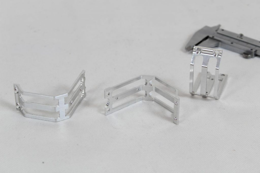 frezowane dron CNC aluminium 06 1024x683 - Ramki aluminiowe cięte drutem