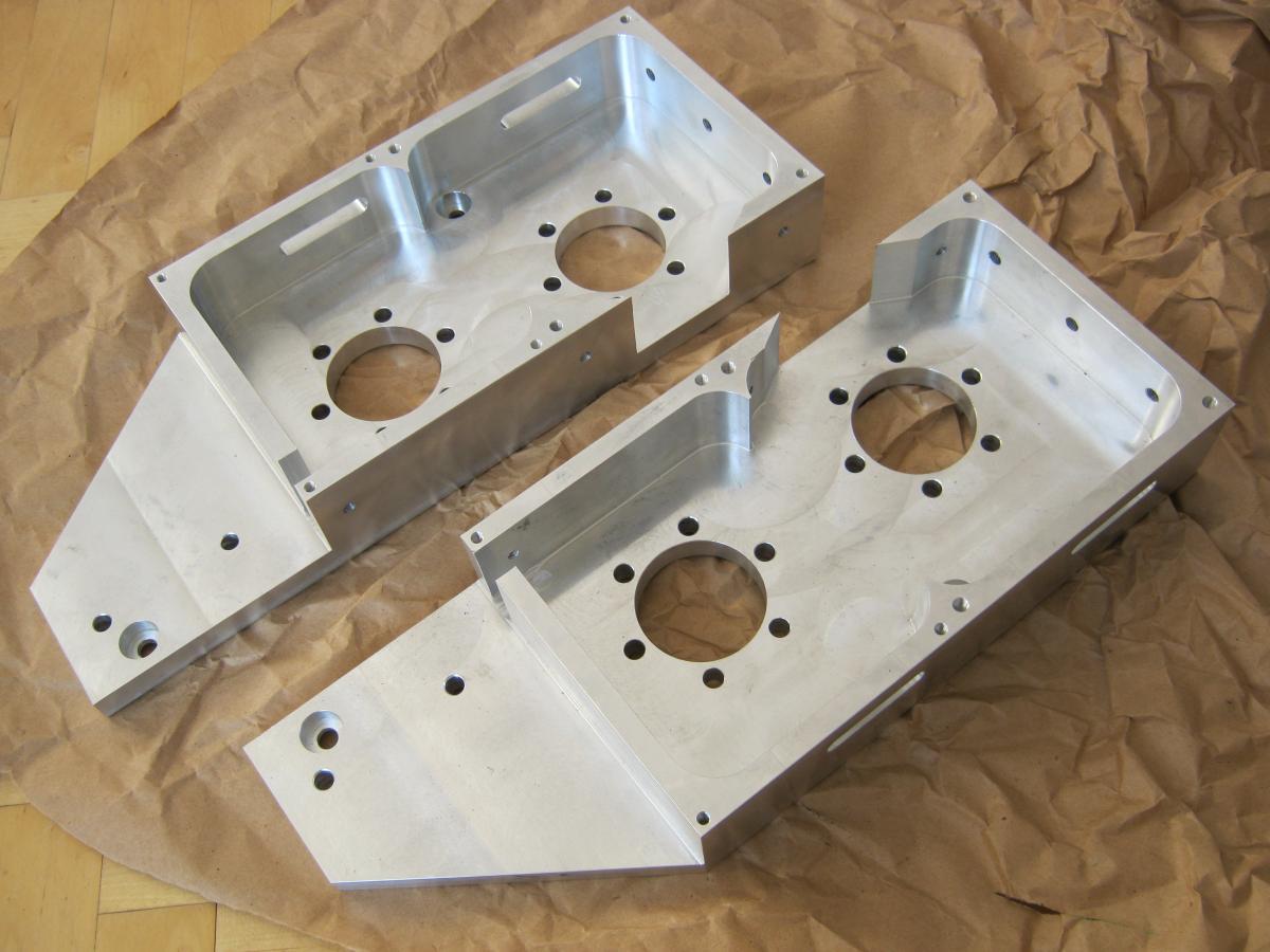 obudowy napedow aluminiowe frezowanie CNC 02 - Realizacje detale, elementy maszyn i urządzeń, urządzenia