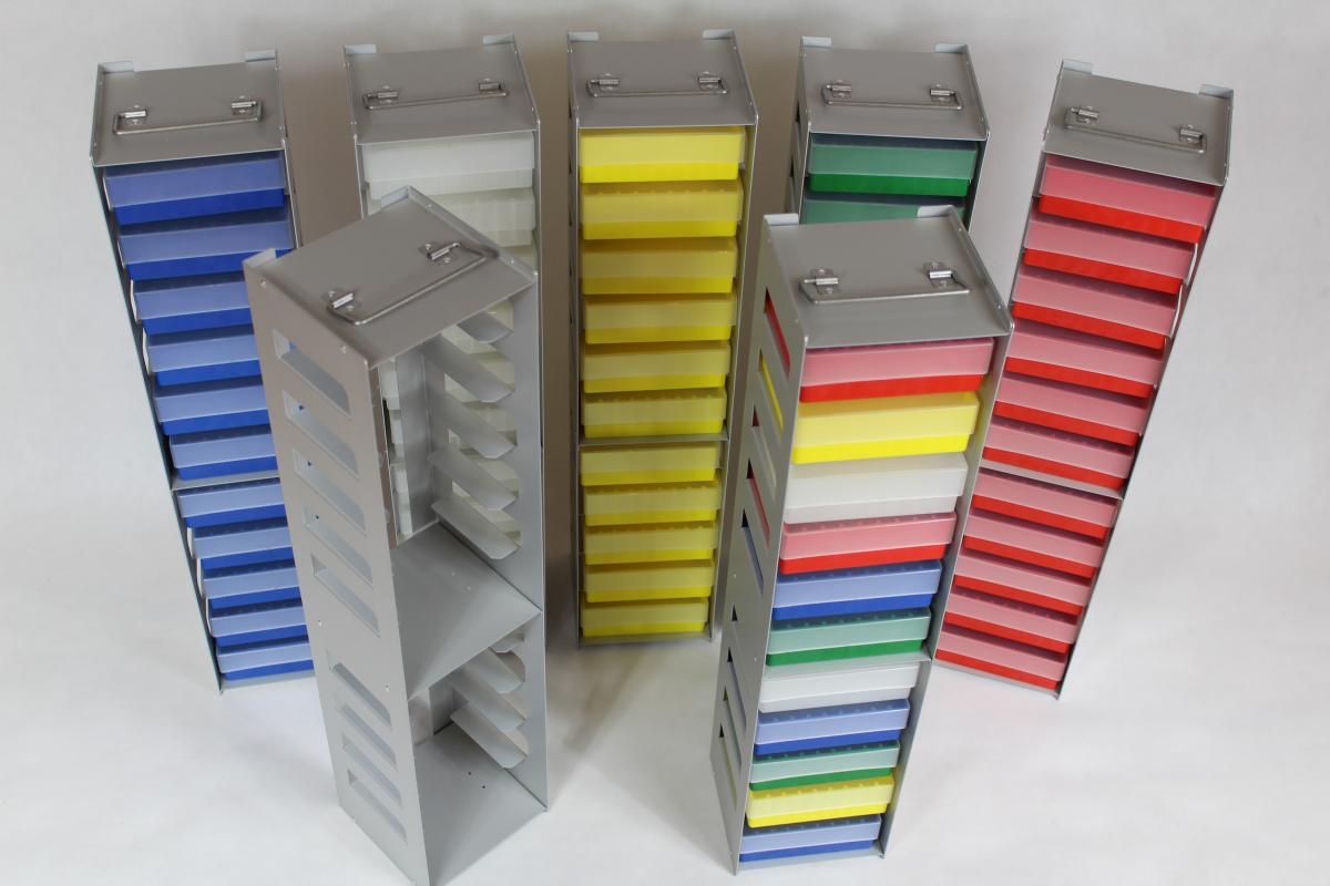 stelaze laboratoryjne 07 - Realizacje detale, elementy maszyn i urządzeń, urządzenia