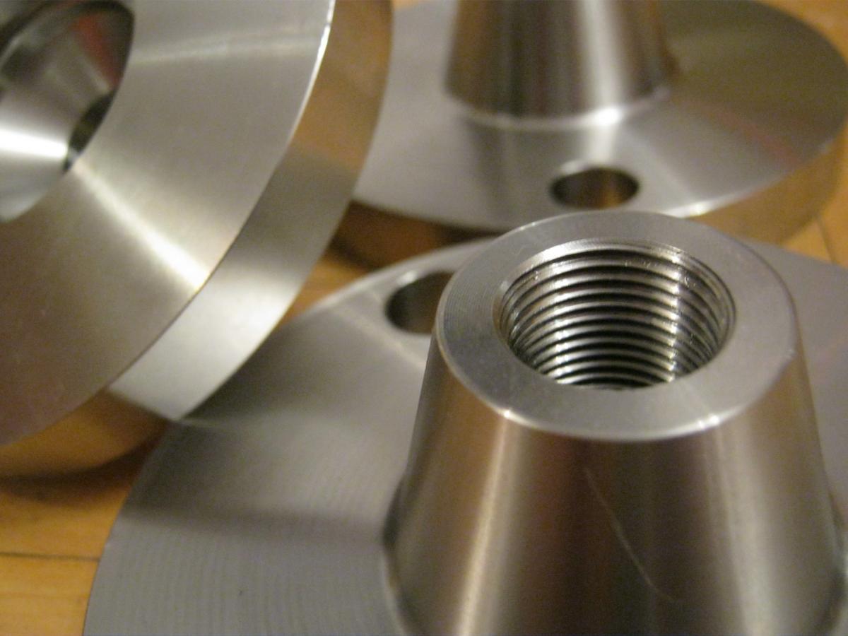 toczenie CNC kwasowka 316 kryza pompy 03 - Realizacje detale, elementy maszyn i urządzeń, urządzenia